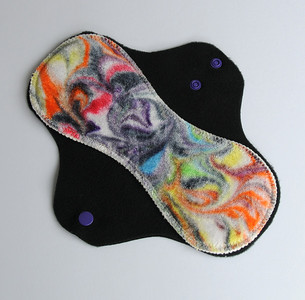 "ONE ""short"" Regular Flow Comfort Contour Pad - ""swirls"""