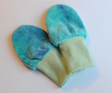 "lil'shrooms Newborn ""no-scratch"" Bamboo Velour Mitts"